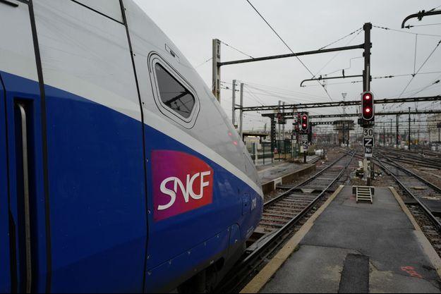 Une jeune femme de 18 ans est morte, percutée par un train à la gare d'Écommoy. (image d'illustration)