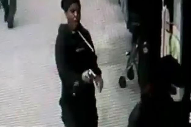 La suspecte filmée en train de tuer son ex