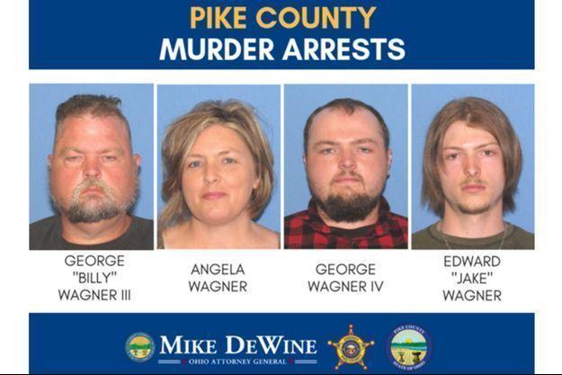 La mère, le père et les deux fils sont accusés d'avoir massacré une famille en 2016.