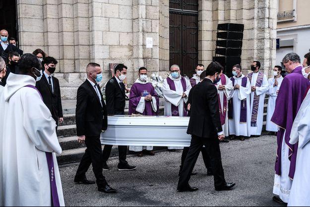 Les obsèques se sont déroulées en l'église Saint-Jean-Baptiste de Bourgoin-Jallieu (Isère).