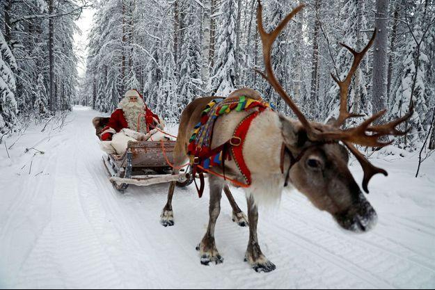 Le Père Noël va être bien occupé cette nuit.