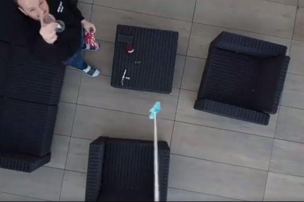 La réception du colis par drone.