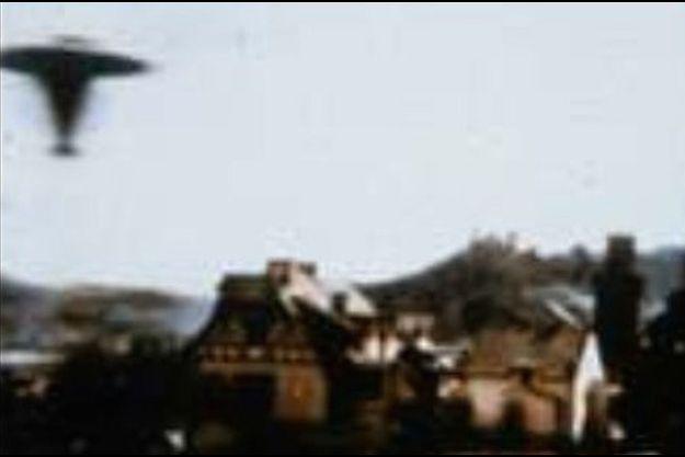 L'une des plus célèbres photos d'OVNI jamais prise en Allemagne, à Oberwesel, en 1964.