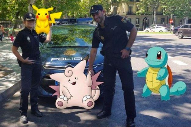 Des policiers espagnols ont fait un montage photo pour poser aux côtés de Pokémons