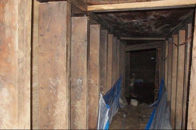 Un tunnel de dix mètres creusé avec un équipement rudimentaire selon la police.