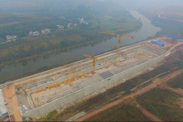 """Vue aérienne du chantier du nouveau """"Titanic""""."""