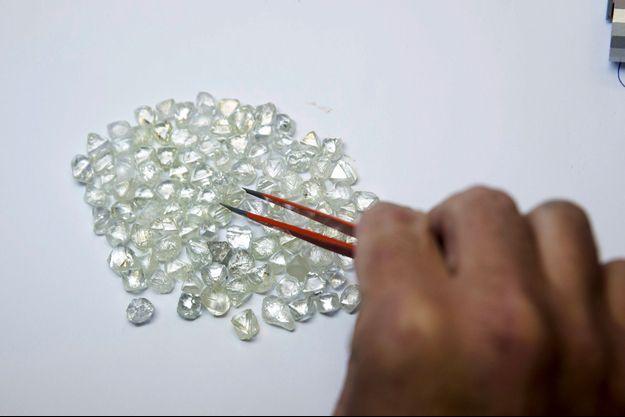 Illustration de diamants bruts
