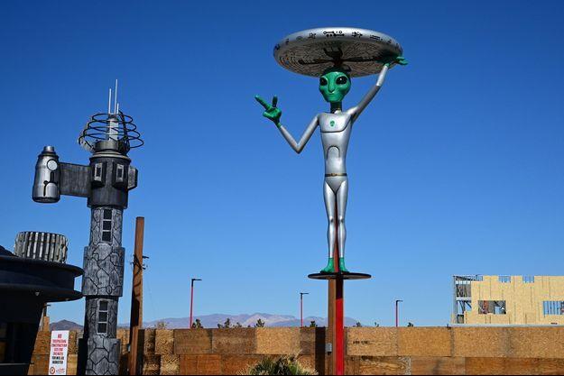 Une sculpture d'alien à Baker, en Californie