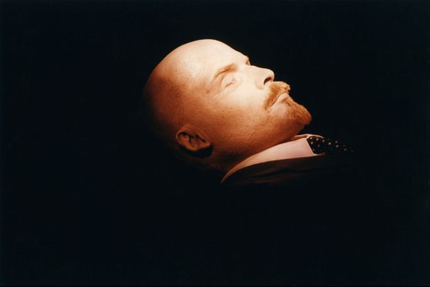 Le corps embaumé de Lénine en septembre 1991.