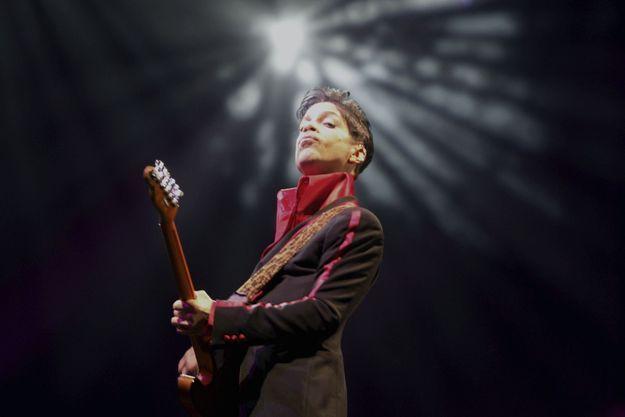 Prince en concert à Abu Dhabi le 22 avril 2016.