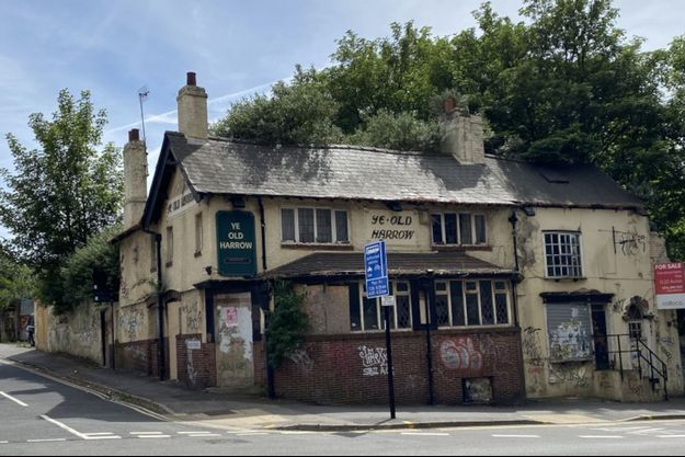 Le Ye-Old Harrow, pub un peu délabré mais toujours très fréquenté si l'on en croit les chasseurs de fantômes.