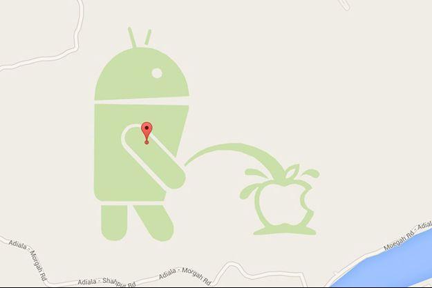 Le logo Google Maps qui urine sur la pomme d'Apple.