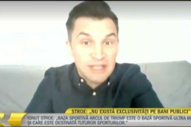 Le ministre des Sports en Roumanie, Ionut-Marian Stroe avant que sa webcam ne glisse.