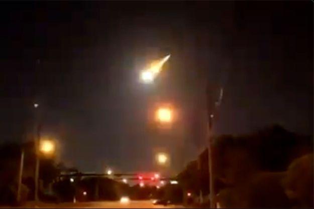 Le passage du météore «2281-2021».