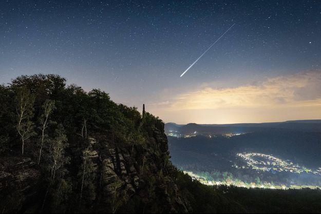 Il peut arriver qu'une météorite traverse l'espace infini pour échouer sur votre lit...