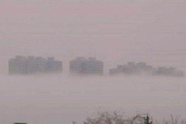 Une ville fantôme dans le ciel chinois