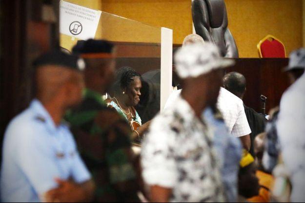Simone Gbagbo, souriante et déterminée à son procès ce lundi à Abidjan.