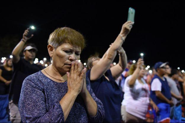 Prières à El Paso.