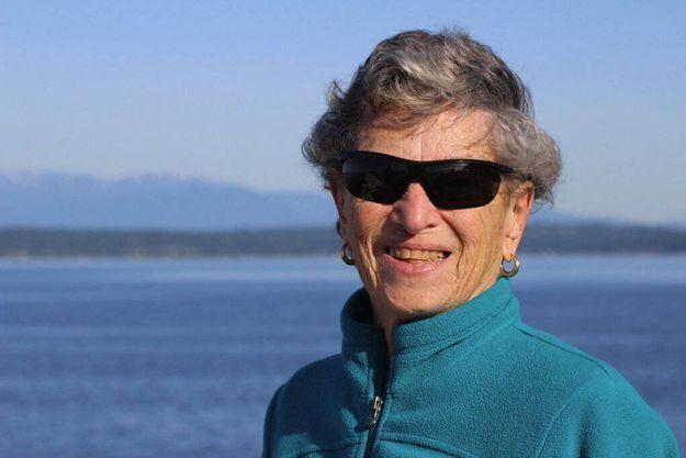 Fran Goldman, 90 ans, a marché 10 kilomètres pour se faire vacciner contre le coronavirus.
