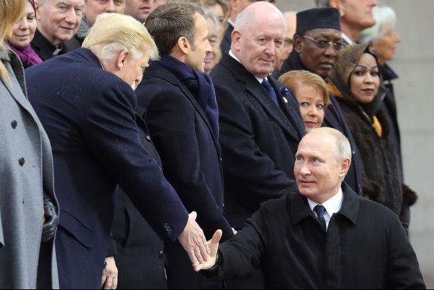 Donald Trump et Vladimir Poutine aux commémorations du 11-Novembre.