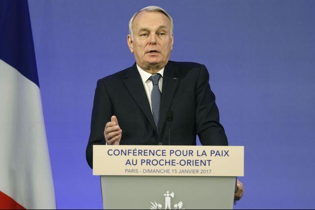 Le chef de la diplomatie française Jean-Marc Ayrault à l'ouverture de la conférence internationale à Paris sur le conflit israélo-palestinien.