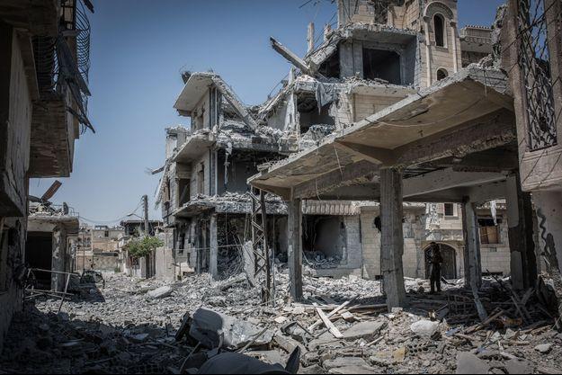 La ville de Raqqa est en ruines.