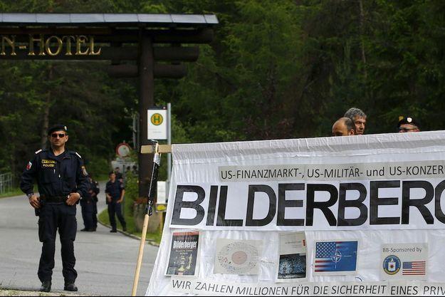 L'entrée gardée par la police de l'hôtel Interalpen où se tient la réunion du club Bilderberg qui s'achève le dimanche 13 juin.
