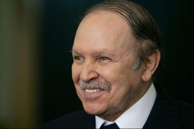Abdelaziz Bouteflika dans le palais présidentiel, à Alger, en novembre 2008.