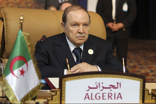 Abdelaziz Bouteflika lors d'un sommet à Doha en novembre 2011