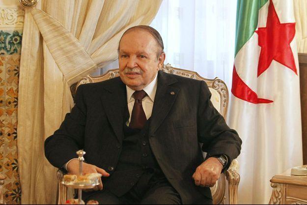 Le président algérien lors d'un meeting en septembre 2012