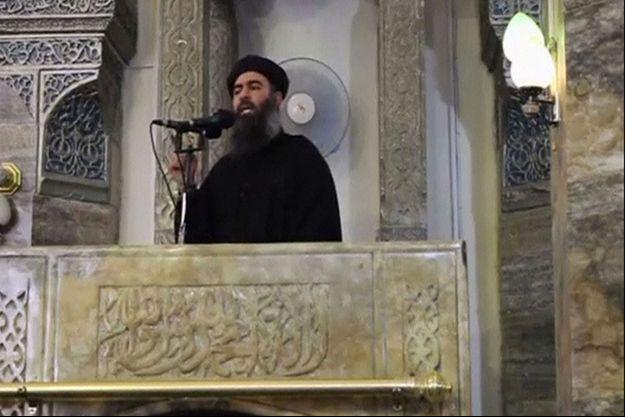Une image extraite d'une vidéo de juillet 2014, sur laquelle apparaît Abou Bakr Al-Baghdadi, le leader du groupe Etat islamique.