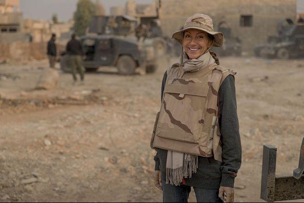 Le 7 novembre 2016, dans le faubourg nord-est de Mossoul. Véronique Robert avec la Golden Division. Elle accompagne l'offensive sur la ville, aux côtés de l'unité d'élite, depuis le 4 novembre.