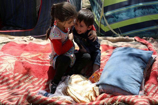 Des milliers de réfugiés affluent à Kaboul.