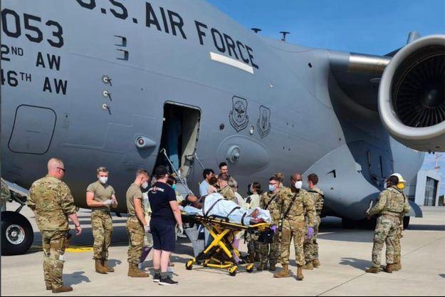 La mère et la petite fille sont en bonne santé, a précisé l'US Air Force.