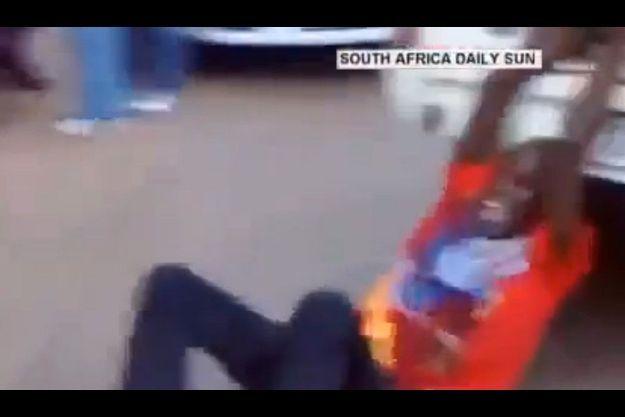 Une capture d'écran de la vidéo de la bavure policière.
