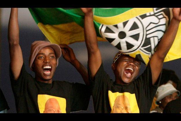 Les supporters de l'ANC ont fêté la victoire attendue du parti de Jacob Zuma.