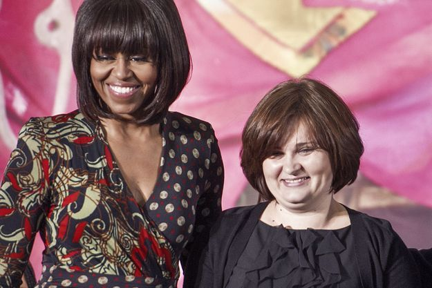 Elena Milachina reçoit le Prix international de la femme de courage, en mars 2013, par Michelle Obama.
