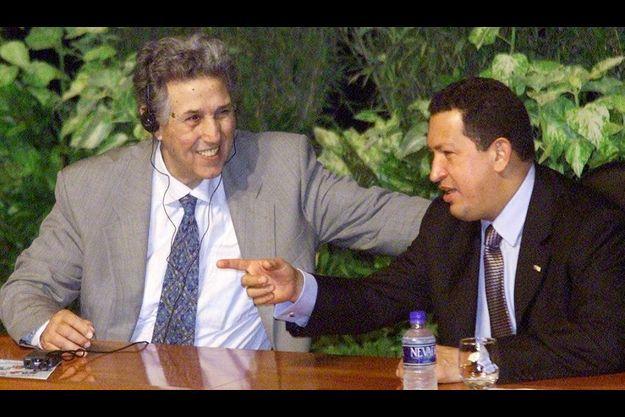 Ben Bella aux côtés d'Hugo Chavez, en 2001.