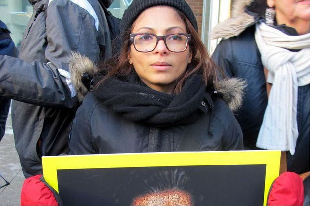 Ensaf Haidar lors d'un rassemblement à Sherbrooke.