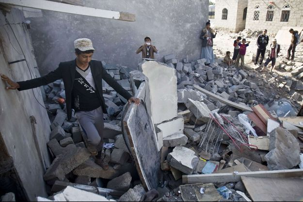 La ville d'Aden sous les décombres.