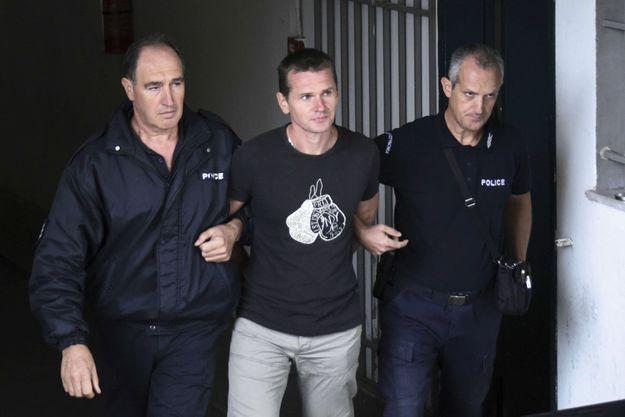 À la sortie du tribunal de Thessalonique, le 29 septembre 2017. Deux ans avant son extradition vers la France.