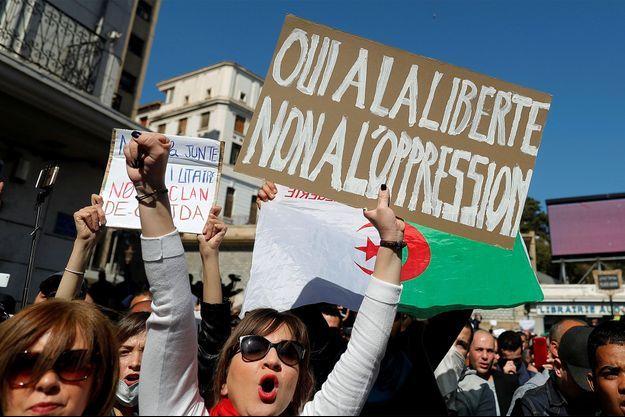 L'Algérie est le théâtre de nombreuses manifestations contre le gouvernement.