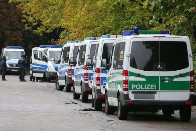 La police allemande déployée pour une attaque à la bombe supposée, le 8 octobre dernier à Chemnitz.