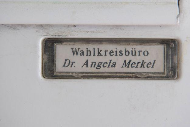 La façade de la permanence d'Angela Merkel, à Stralsund.