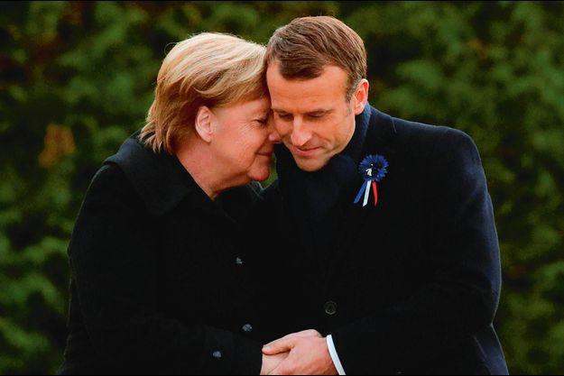 Bienveillante avec Emmanuel Macron, le 10 novembre 2018, pour l'inauguration d'une plaque pour le centenaire de la Première Guerre mondiale.