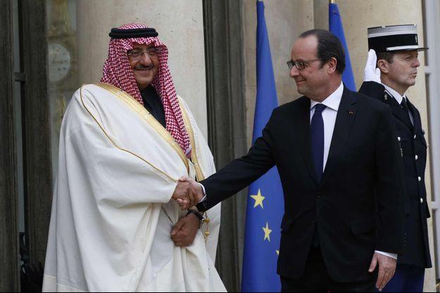 Le prince saoudien Mohammed ben Nayef reçu par François Hollande à l'Elysée vendredi 4 mars 2016.