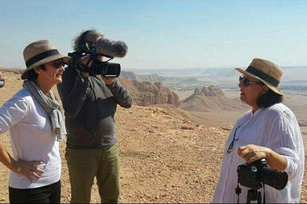 Clarence Rodriguez interrogeant Madeha Alajroush durant le tournage de son documentaire «Arabie Saoudite, paroles de femmes».