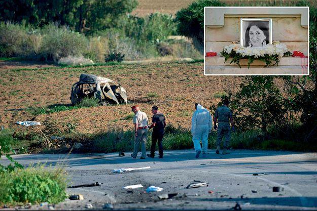 Des gendarmes et des experts médico-légaux devant la carcasse de la voiture à Bidnija, dans le nord de l'île, où la journaliste habitait. En médaillon: l'hommage à Daphne Caruana Galizia, assassinée le 16 octobre