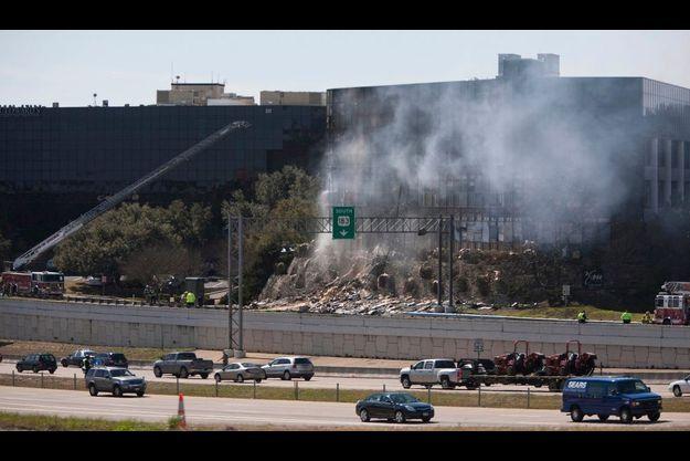 Un bâtiment fédéral d'Austin (Texas) dans lequel se trouve un bureau des impôts, a été victime d'une attaque aérienne.