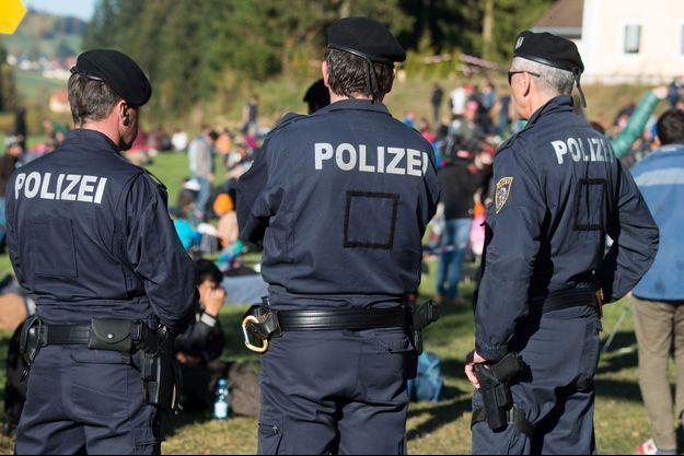 La police autrichienne à la frontière allemande (image d'illustration).